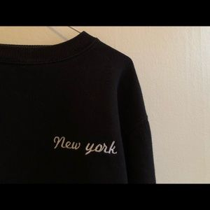 """Brandy Melville Sweaters - brandy melville """"new york"""" cropped sweater 🌹"""